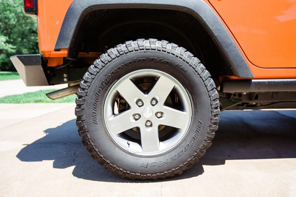 Jeep_tire_shine-9