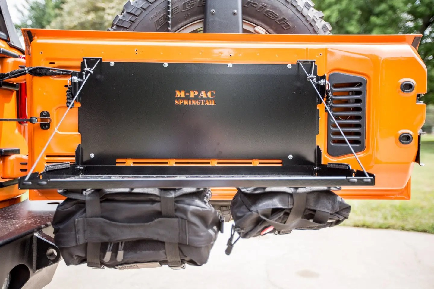 Springtail Mpac Jeep Rear Door Folding Tray
