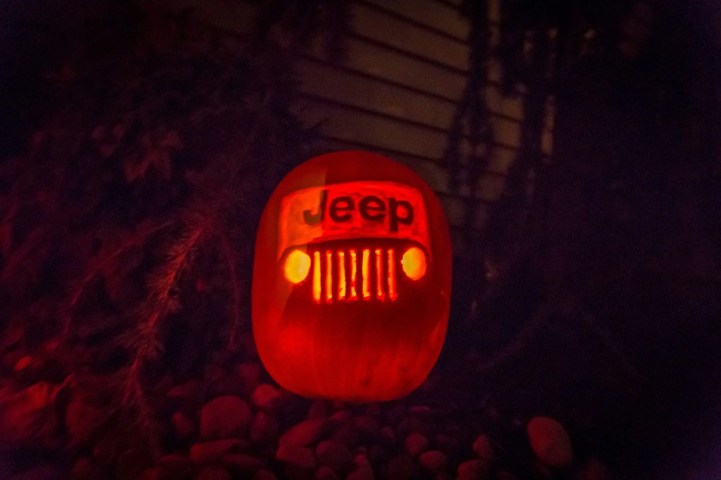 jeep pumpkin carving