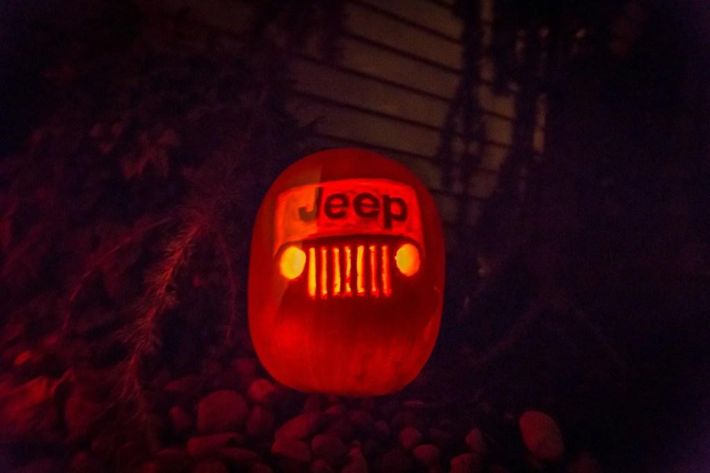 jeep pumpkin carving