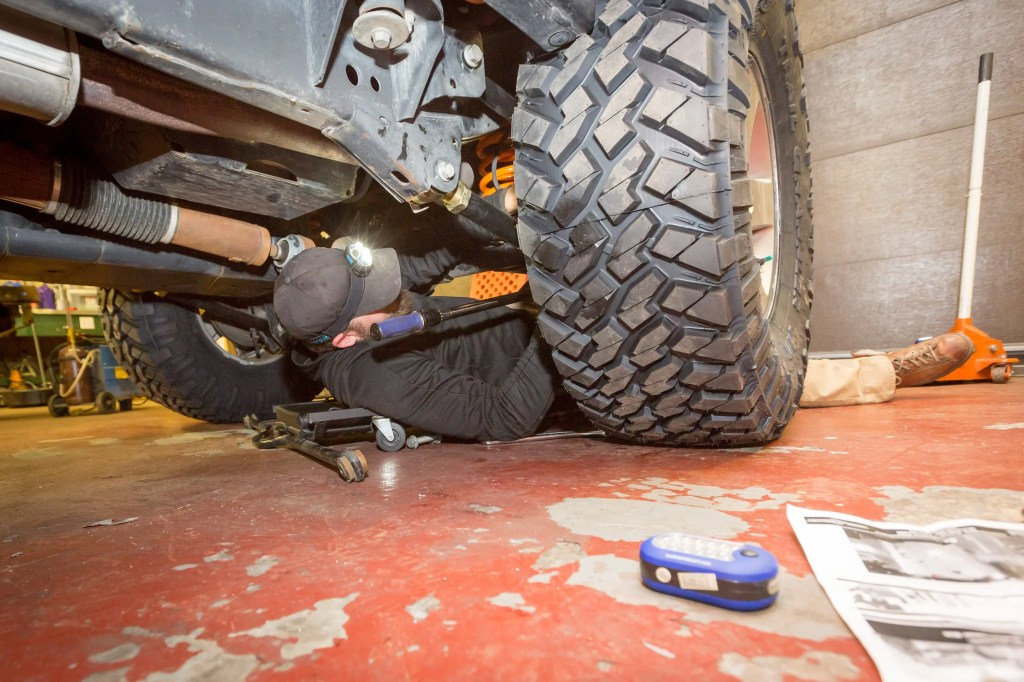 Torquing the Currie Enterprises suspension system