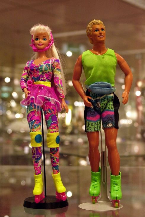 9 rollerblade-barbie-1535476569