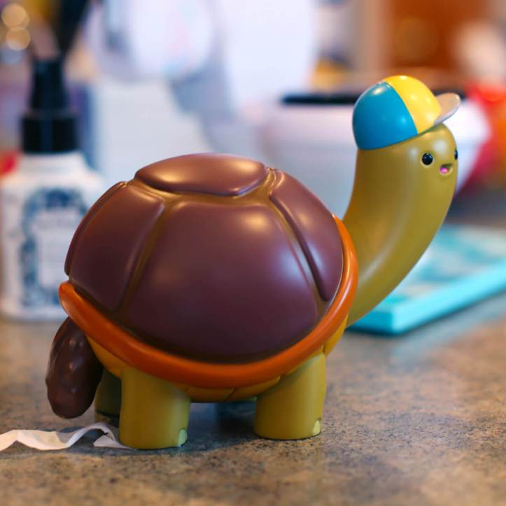 Turtlehead-by-Alex-Solo-The-Toy-Chronicle-r.jpg