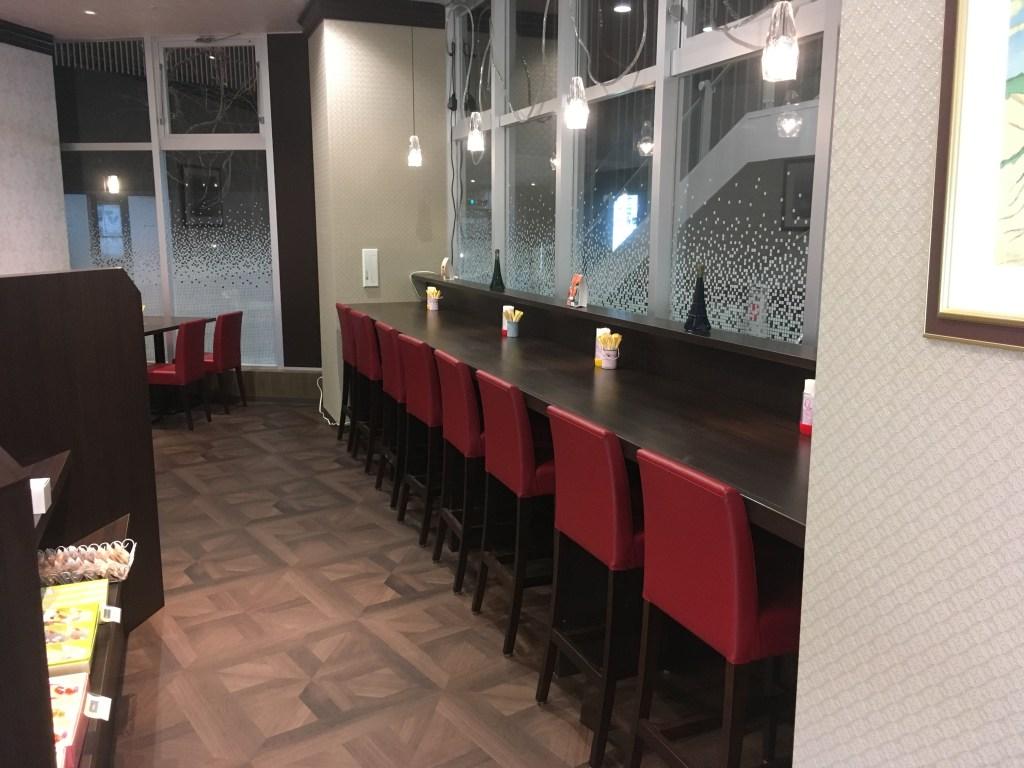 店内の飲食スペース