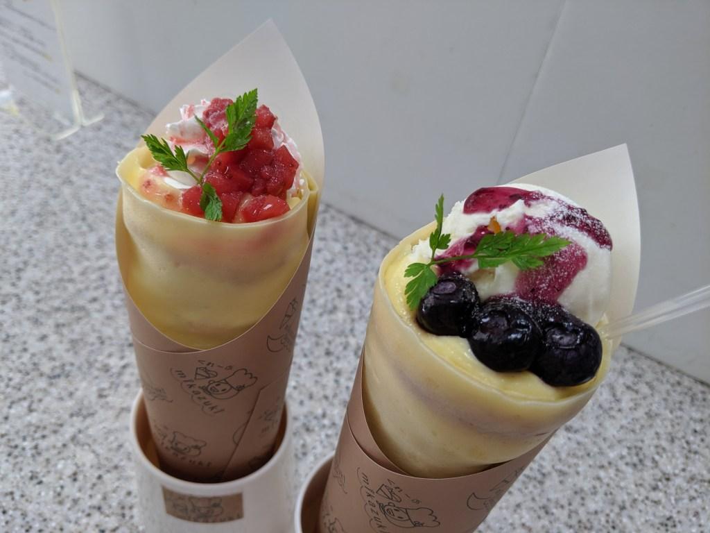 「Wクリームいちごコンフィ」と「カスタードブルーベリー+アイスクリーム」