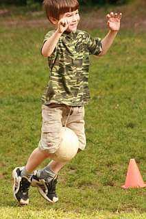 Эстафеты с мячом – Материал по физкультуре на тему ...