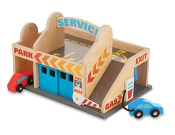 Melissa & Doug Service Station Parking Garage Review