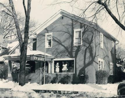 Toy House, original Toy House, Jackson, Michigan, 1950, toy store