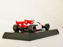 1-64-kyosho-mclaren-minicar-collection-formula-1-mp4-2-no-8-red-white-07