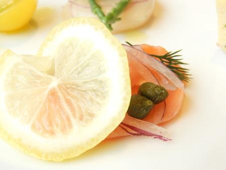 ANTIPASTI&INSALATA 前菜の盛り合わせ スモークサーモンカルパッチョ