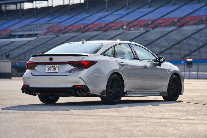 Camry Trd And Avalon Trd Bring Track Inspired Styling And Performance To The Streets Toyota Usa Newsroom