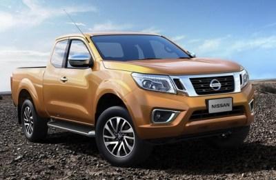 2015-Nissan-Navara-NP300-front-side2