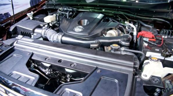 navara-np300-2015-engine