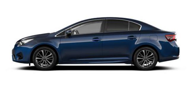 2018 Toyota Avensis side view