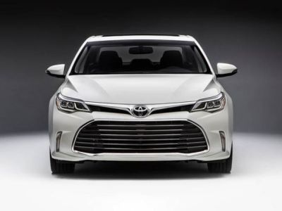 2018 Toyota Avalon front