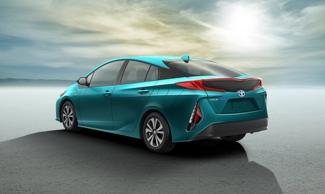 2018 toyota prius plug in hybrid rear view