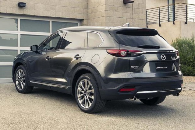 2018 Mazda CX-9 rear view