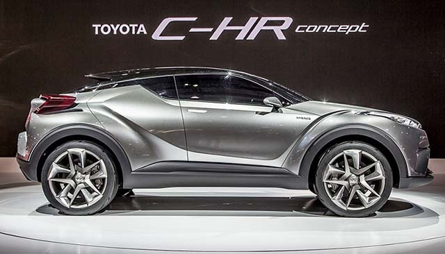 2020 Toyota C-HR side view