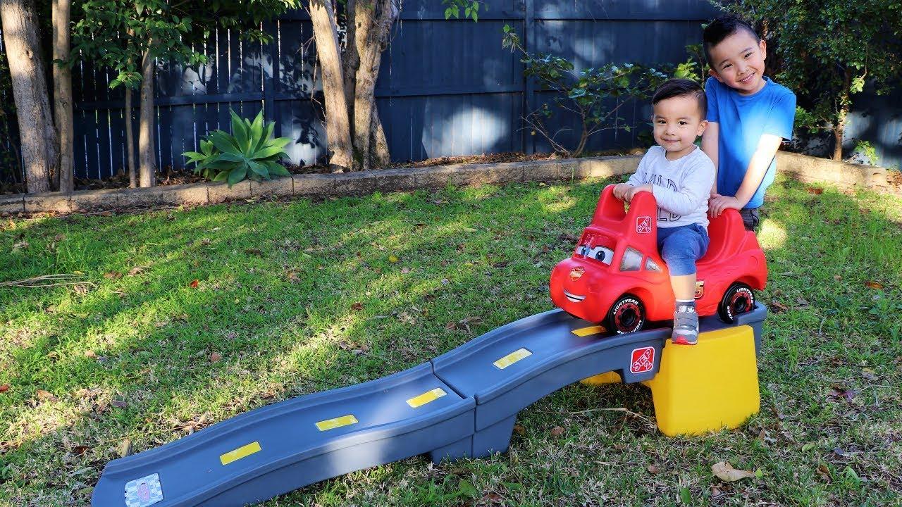 Disney Cars 3 Roller Coaster Backyard Fun Playtime With Ckn Toys - Disney Cars 3 Roller Coaster Backyard Fun Playtime With Ckn Toys