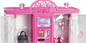 Barbie fashion vending machine toy