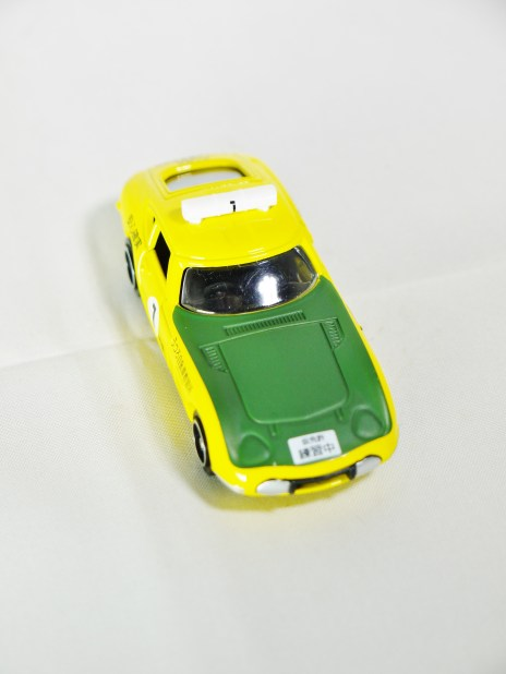 tomica-kuji-20-sports-cars-collection-2016-toyota-2000gt-driving-school-3