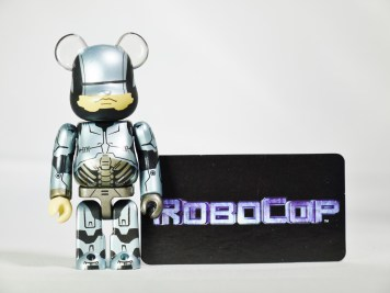 medicom-bearbrick-s27-sf-mgm-movie-robocop-08