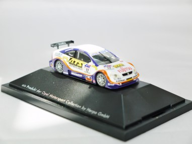 Herpa GmbH - 1-87 Motorsport Collection Opel Astra V8 Coupe H. Haupt - No. 17 - 04