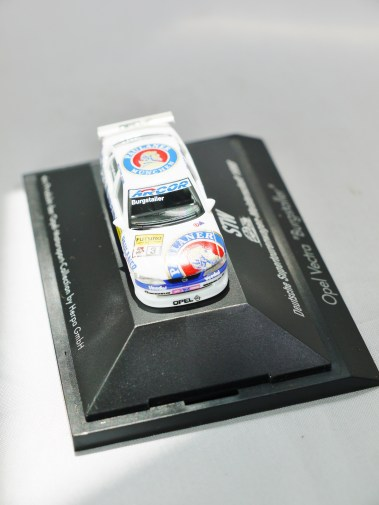 Herpa GmbH - 1-87 Motorsport Collection STW Deutsche Supertourenwagon-Meisterschaft 1998 - Opel Vectra Burgstaller - No. 3 - 05