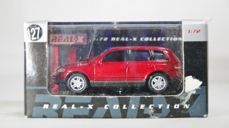 REAL-X COL 1-72 127 VOLKSWAGEN TOUAREG Drk Red 11