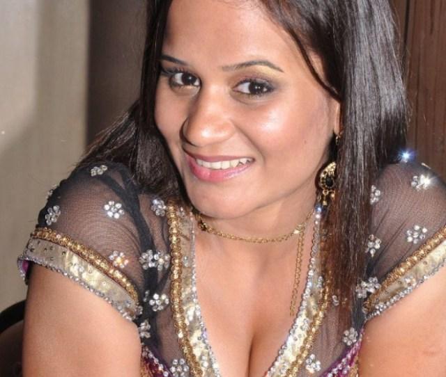 Ambika New Tamil Actress Hot Pics July 24 2011