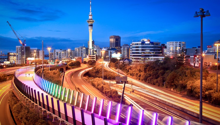 GettyImages-594419988-auckland-road-motorway-cycleway-1120