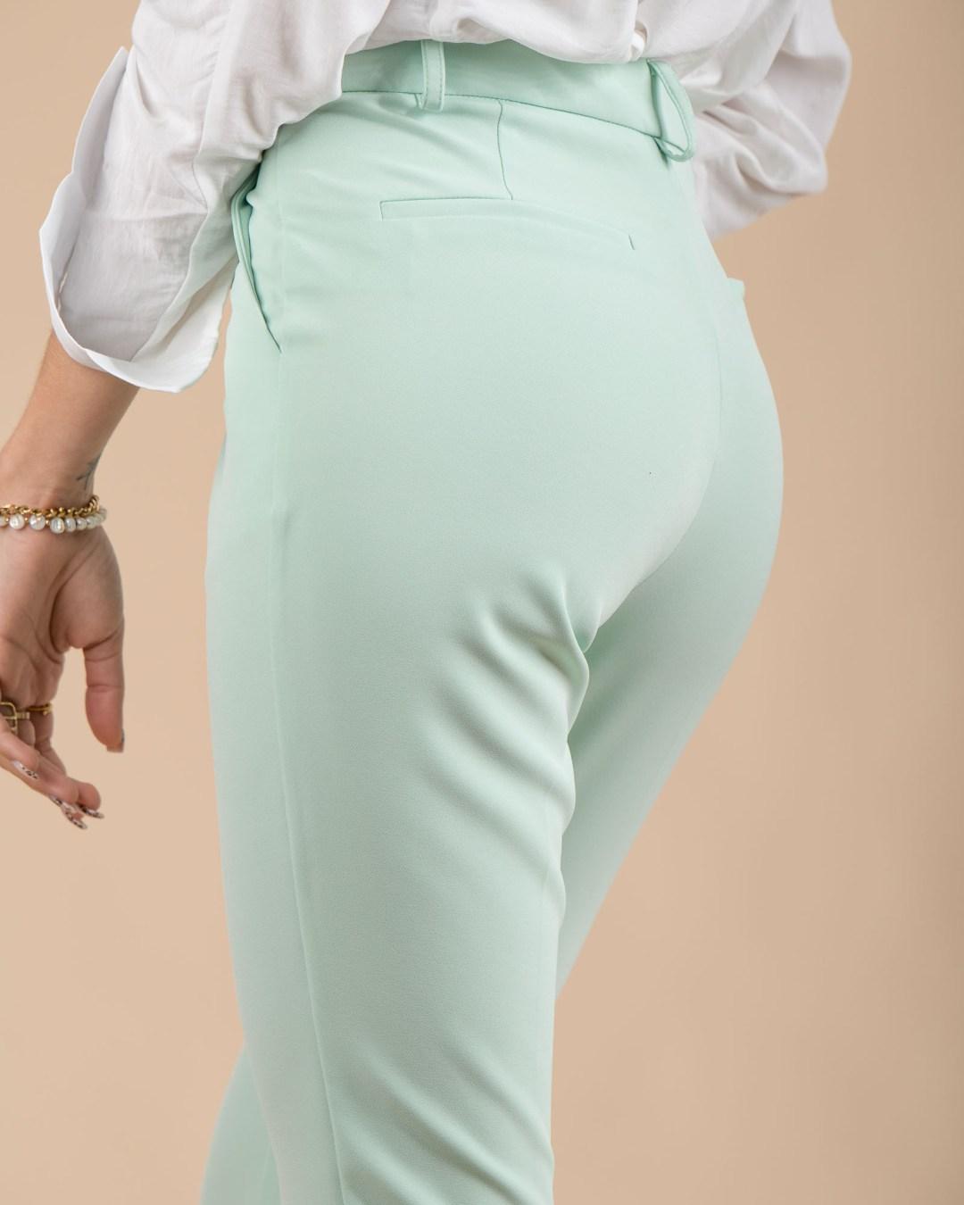 Pantalon vert taille haute