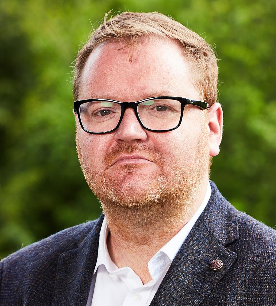 Dr Chris Bates