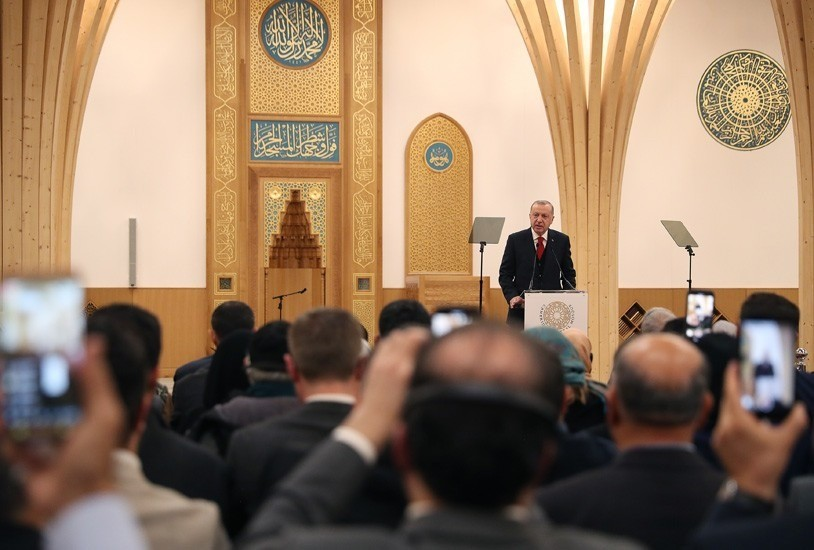 تعرف على المسجد المميز الذي افتتحه أردوغان اليوم في لندن (صور) 3
