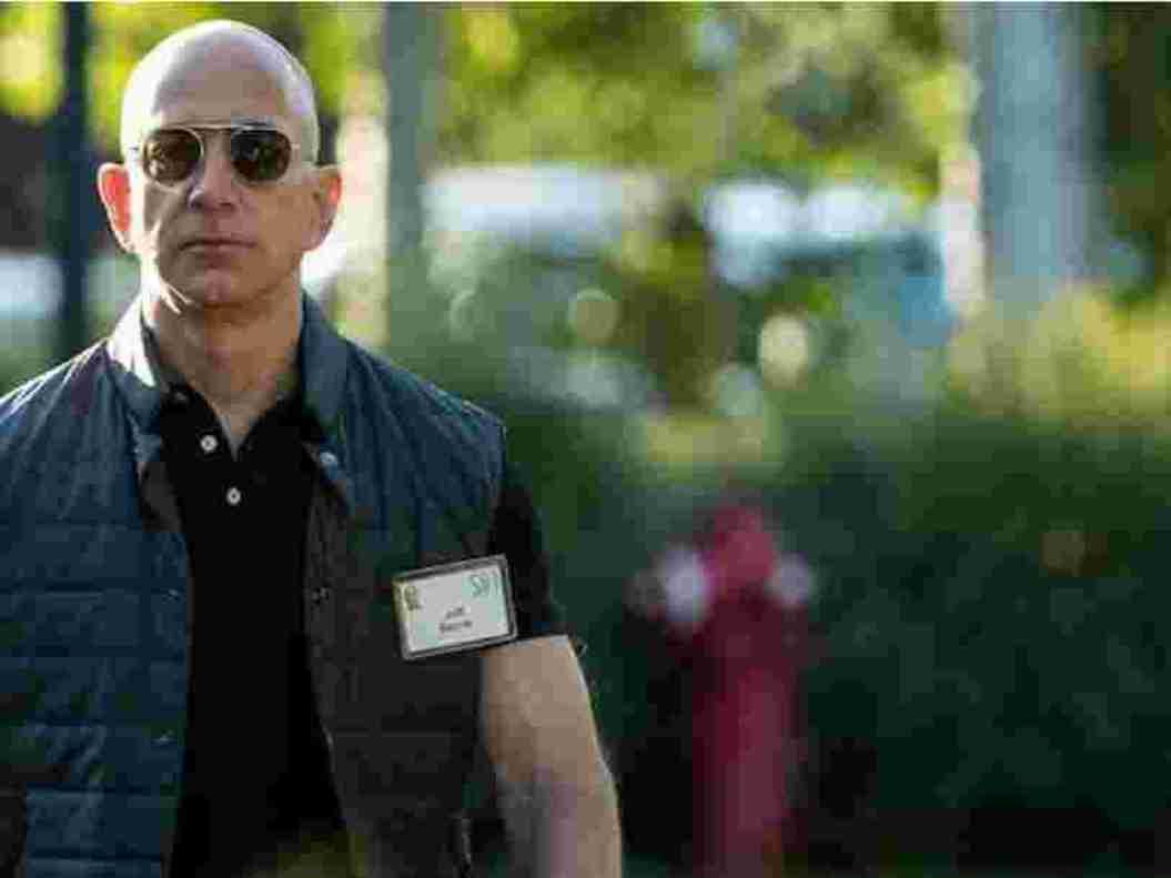 Jeff Bezos redevient l'homme le plus riche au monde, devant Elon Musk