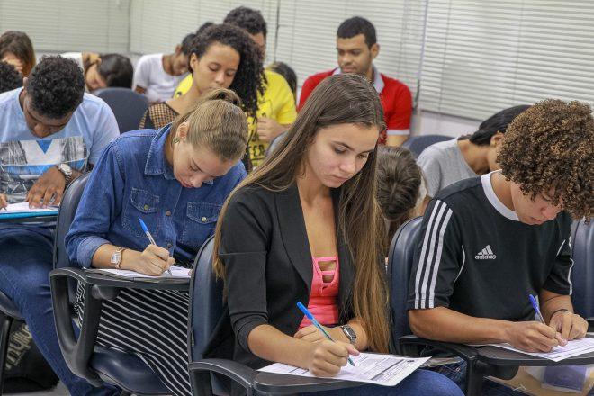 Programa Jaboatão Aprendiz oferece 157 vagas de emprego para jovens