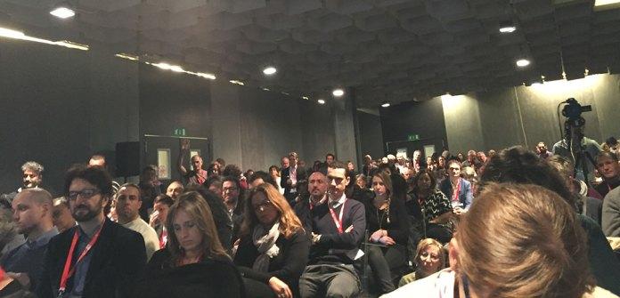 Sala lotada para escutar Carlo Petrini