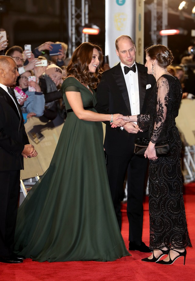 LONDON, ENGLAND - FEBRUARY 18: Amanda Berry greets Prince William, Duke of Cambridge and Catherine, Duchess of Cambridge attend the EE British Academy Film Awards (BAFTA) held at Royal Albert Hall on February 18, 2018 in London, England.  (Photo by Chris  (Foto: Chris Jackson/Getty Images)