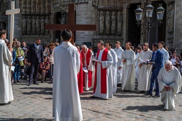 https://paraondefor.com.br/wp-content/uploads/2018/03/Catedral-Notre-Dame_Paris-ParaOndeFor.jpg