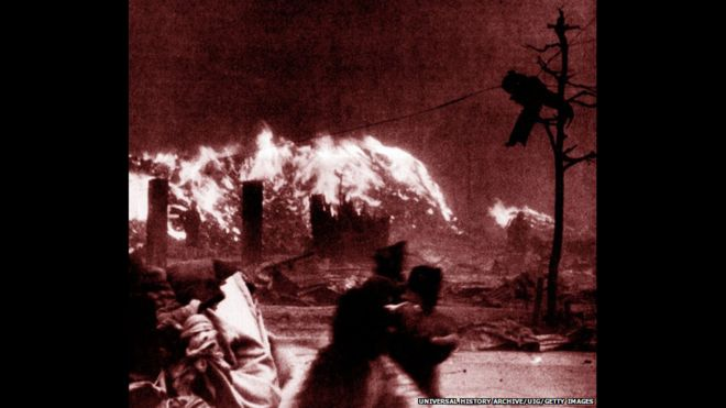 No dia 6 de agosto de 1945, os Estados Unidos jogaram uma bomba atômica na cidade de Hiroshima, no Japão, e mataram cerca de 140 mil pessoas.