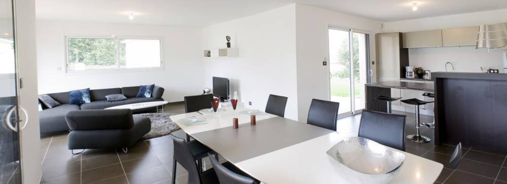maison tourelle contemporaine constructeur de maison haut de gamme finistere et morbihan. Black Bedroom Furniture Sets. Home Design Ideas