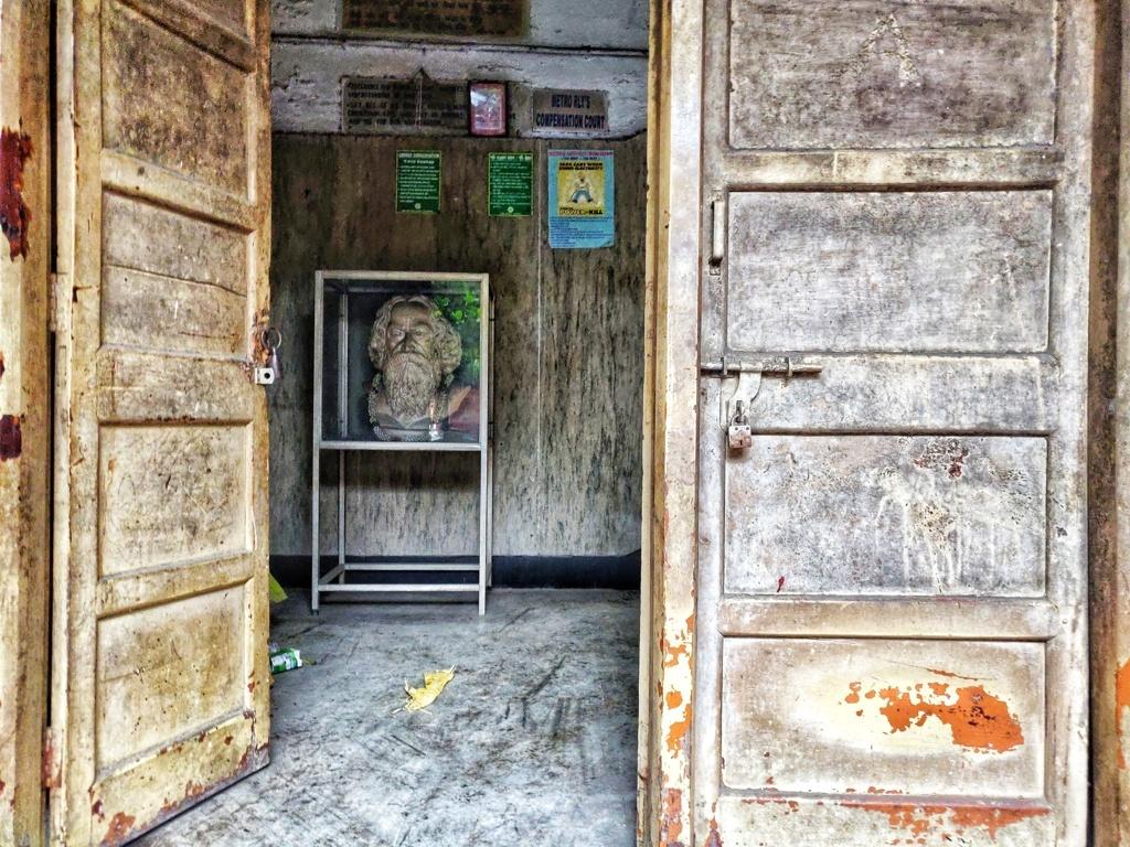 Trabloggers_ kolkata street photography Tagore