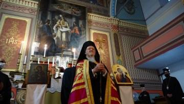 Fener Rum Patriği Bartholomeos Santa Maria İtalyan Katolik Kilisesi'nde akşam duasına katıldı