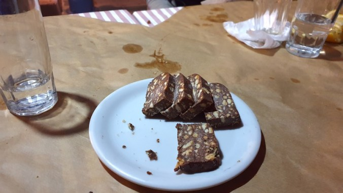 Mosaïki : dessert au chocolat et aux biscuits