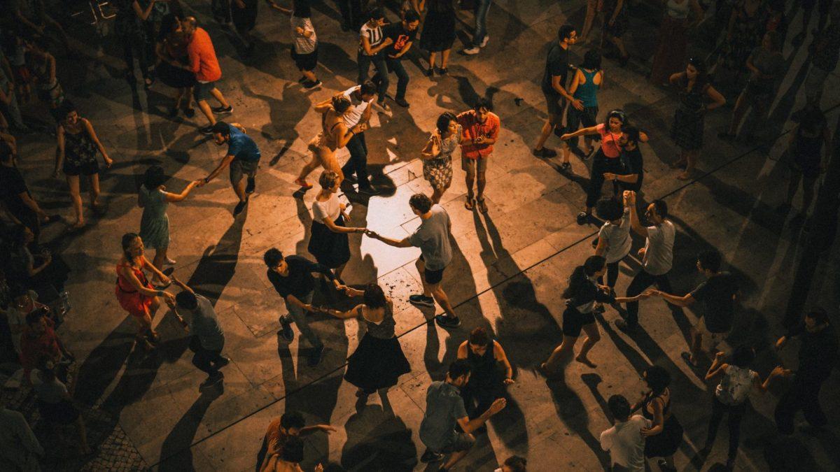 Pourquoi le monde semble-t-il différent  quand on apprend à danser?