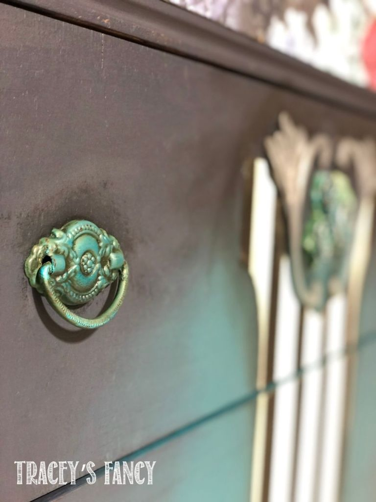 painted drawer handles with a wash | Tracey's Fancy