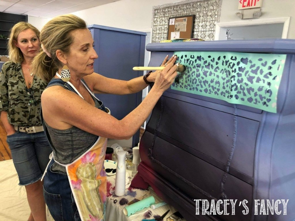 Create Boldly Florida | Traceys Fancy | adding visual interest with paint with a leopard stencil