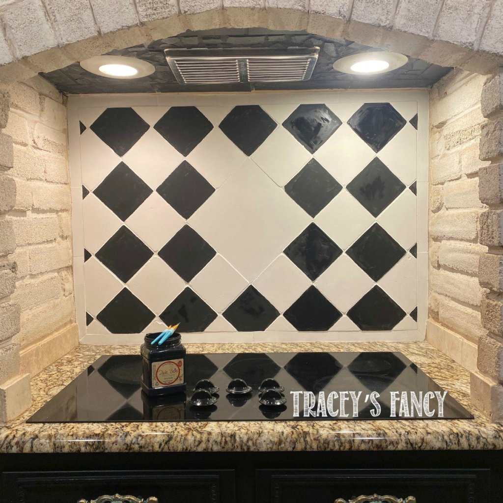 hand-painted harlequin backsplash | Tracey's Fancy