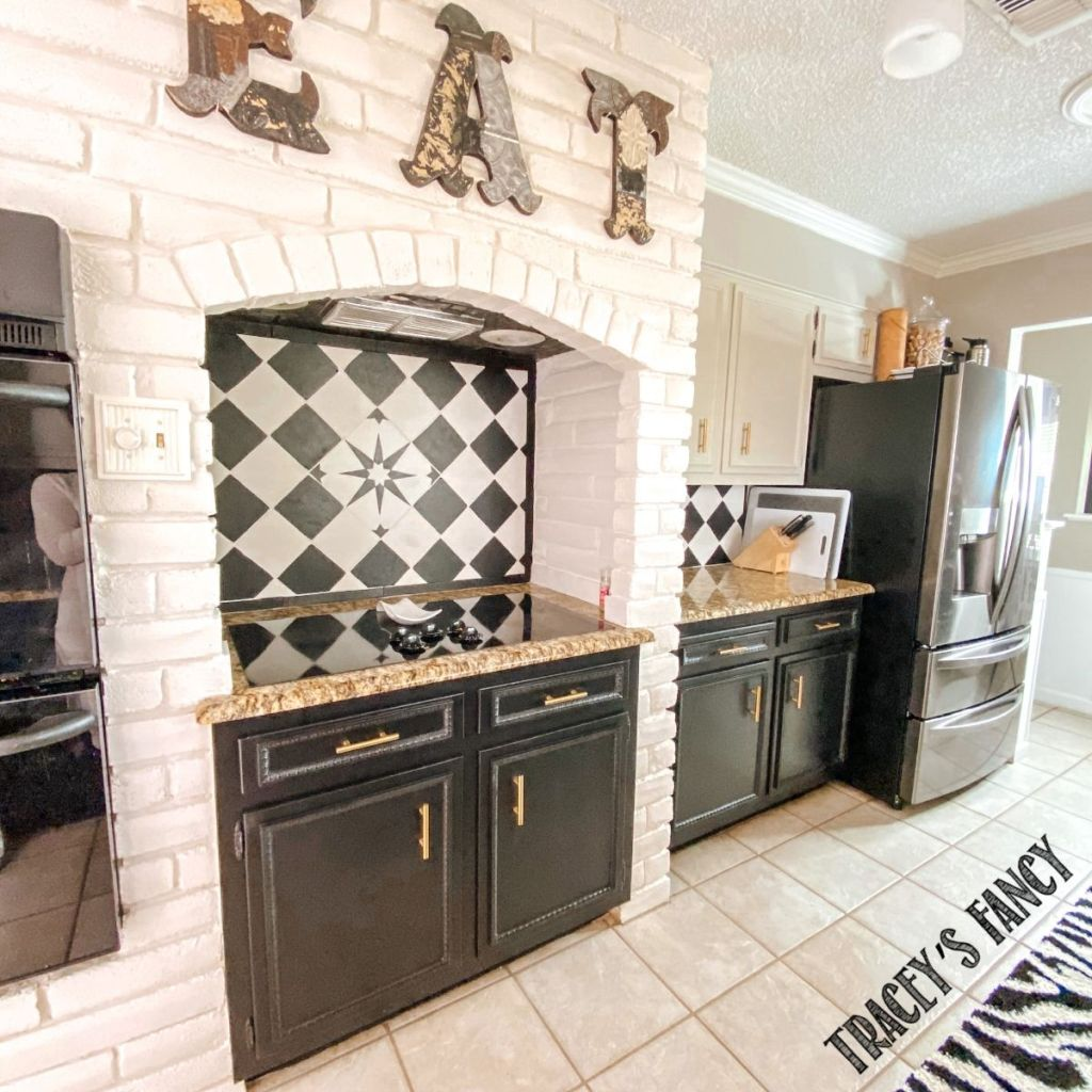 hand-painted backsplash | Tracey's Fancy