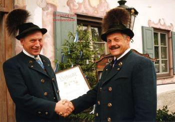 2000 Benedikt Fischer (links) wird Ehrenvorstand
